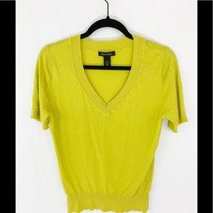 ❤️ 3/20 Lime Green V Neck Knit top WHBM